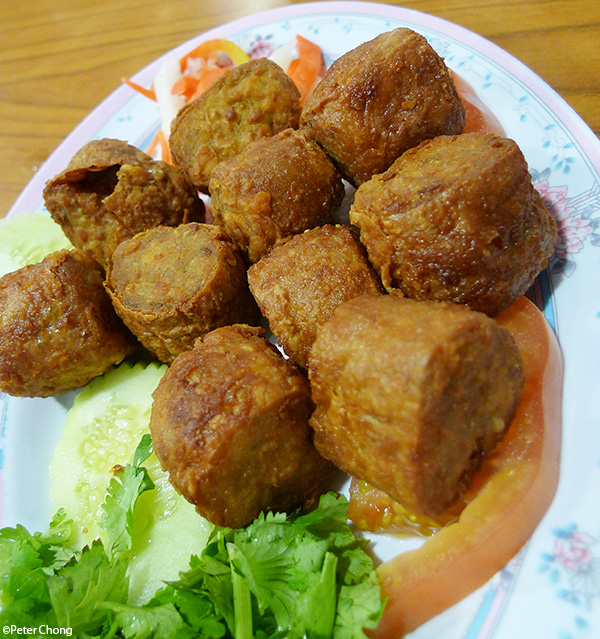 hokkien deep friedn prawn balls hae cho  or hae choe