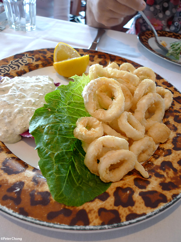 Deep fried calamari at Modesto's Vivocity