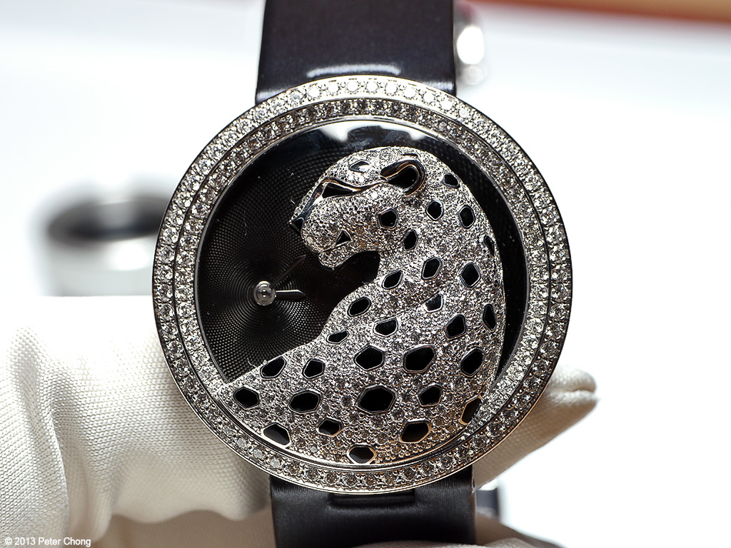 SIHH 2013: Cartier Panther...the jewels bekons